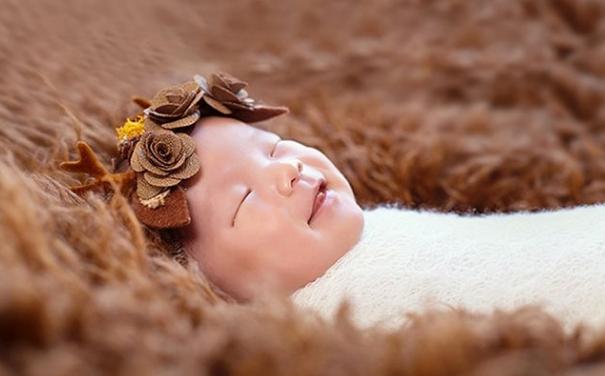 婴儿认知能力发育