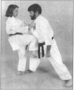 接触式防御的腿部防御技术