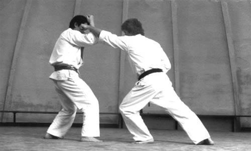 空手道上击拳训练