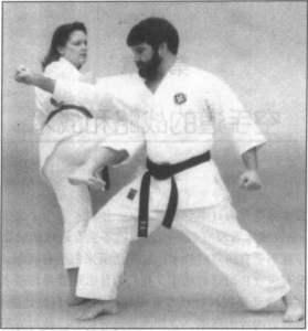 防御腿部攻击