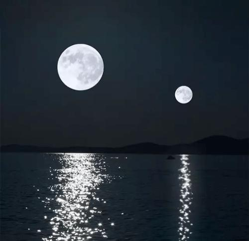 月亮不止一个