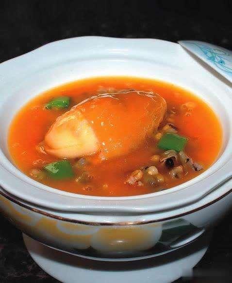 金汤野米烩竹笙蛋