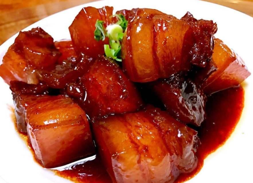 红烧肉要蒸、压去油腻