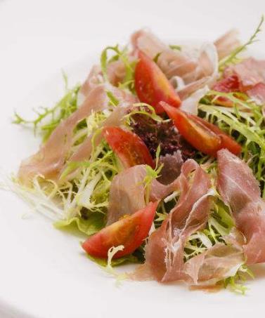 意大利火腿佐酸蘑菇沙拉